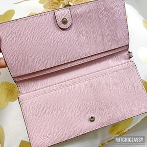 Coach Bags - 💖OFFERS??💖•Coach• Blush Pink Wallet